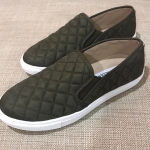 NWOB Steve Madden E-Centric Q Quilted Sneakers